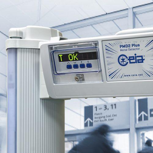 Testhőmérsékletmérő kiegészítő szett fémdetektor kapuhoz - kijelző