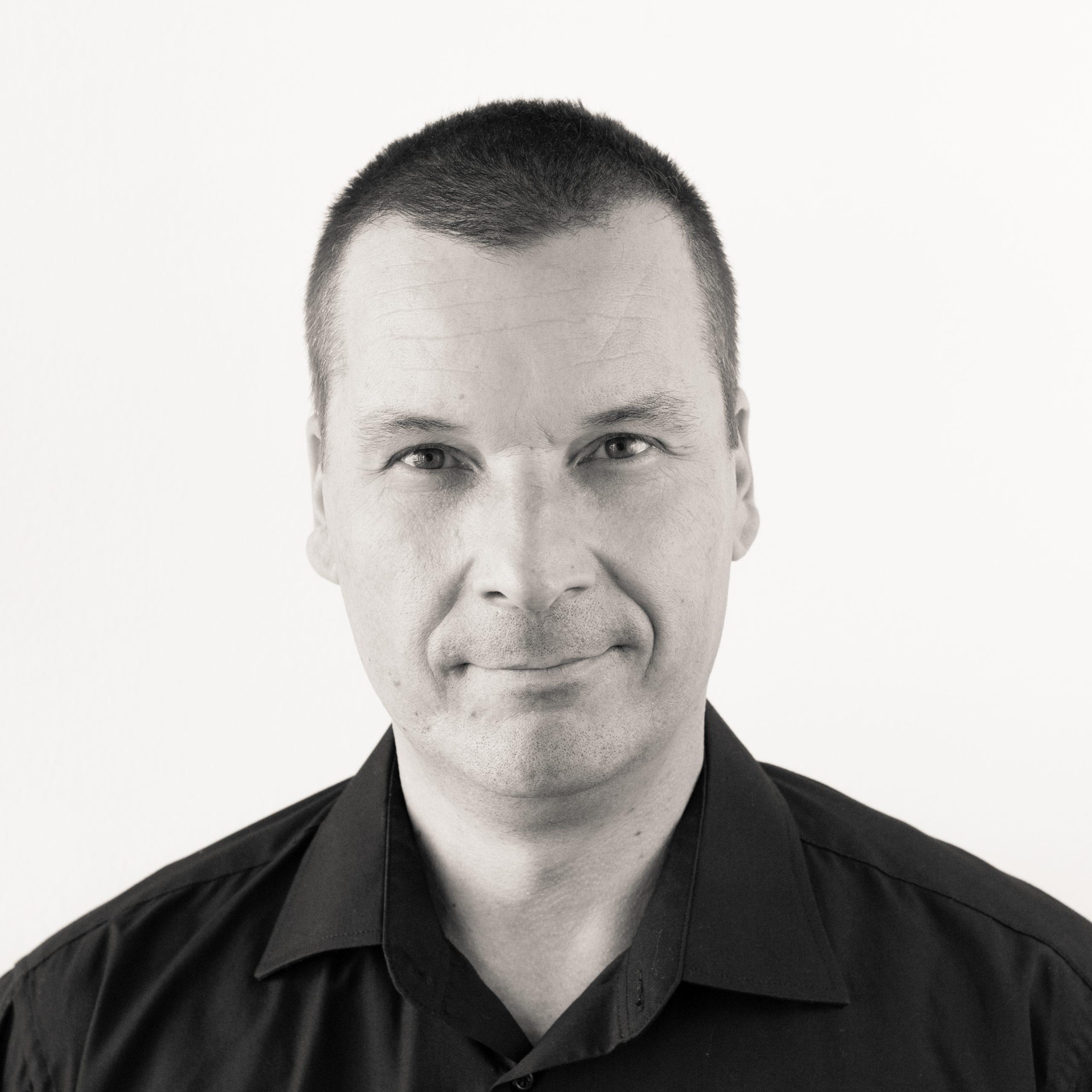 Sághy Botond vezető szervizmérnök